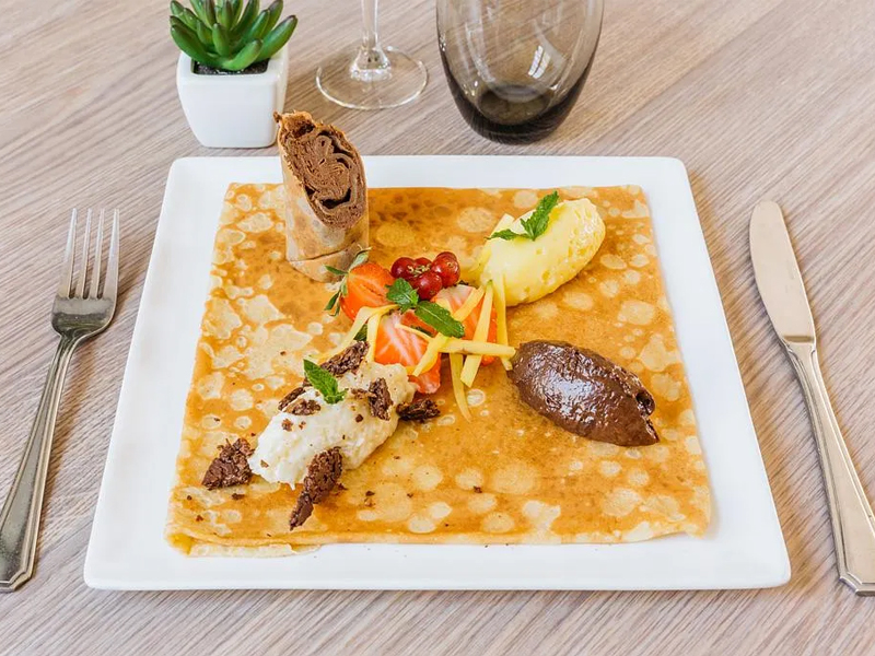 LA BASTIDE DELVA Restaurant Laval Img1 16