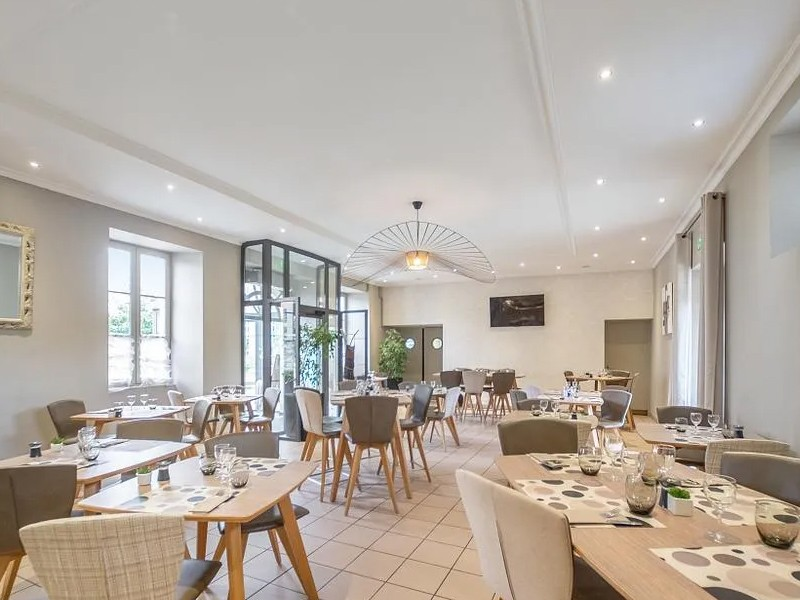 LA BASTIDE DELVA Restaurant Laval Img1 9