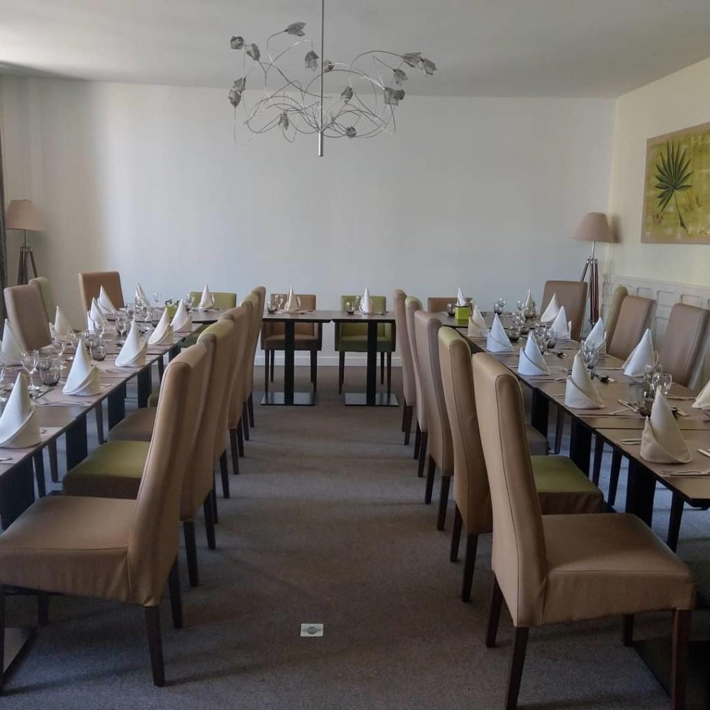 LA BASTIDE DELVA Restaurant Laval Partie Famille